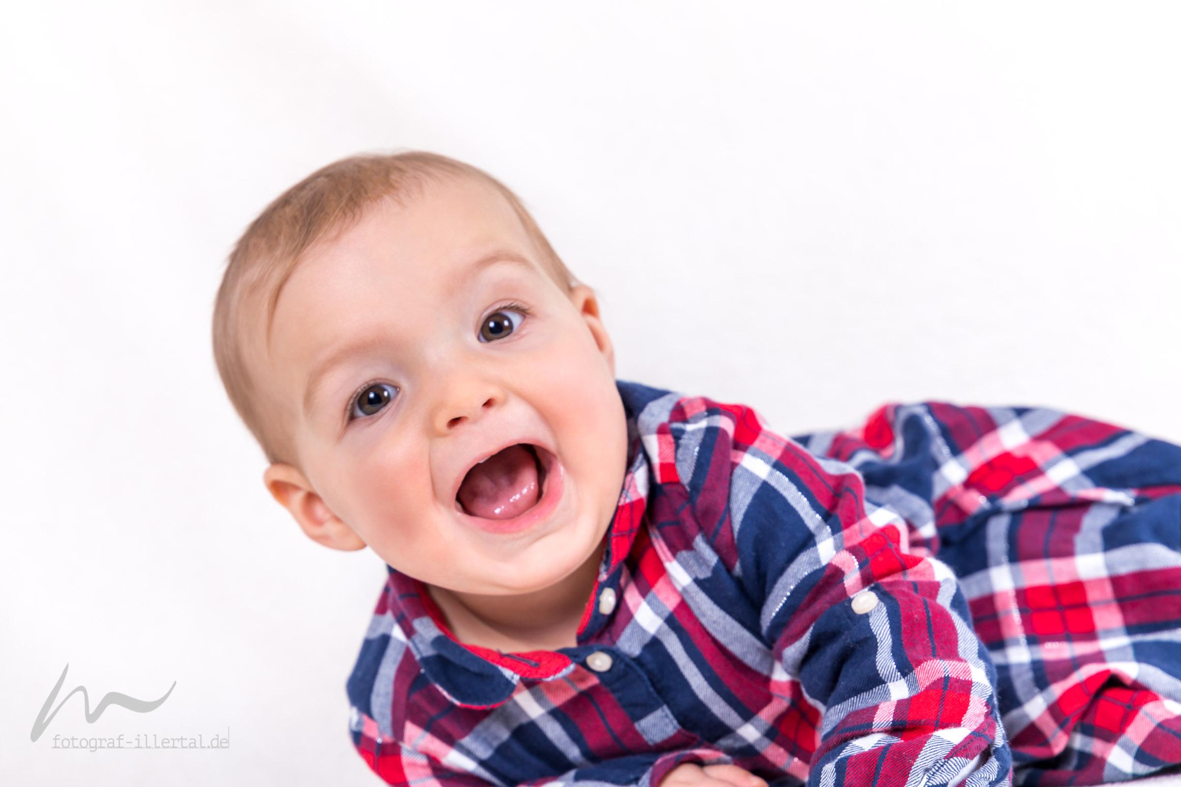 Fotograf Illertal-Christian Miller-Kinderfotos-Familienfotos-_MG_1148