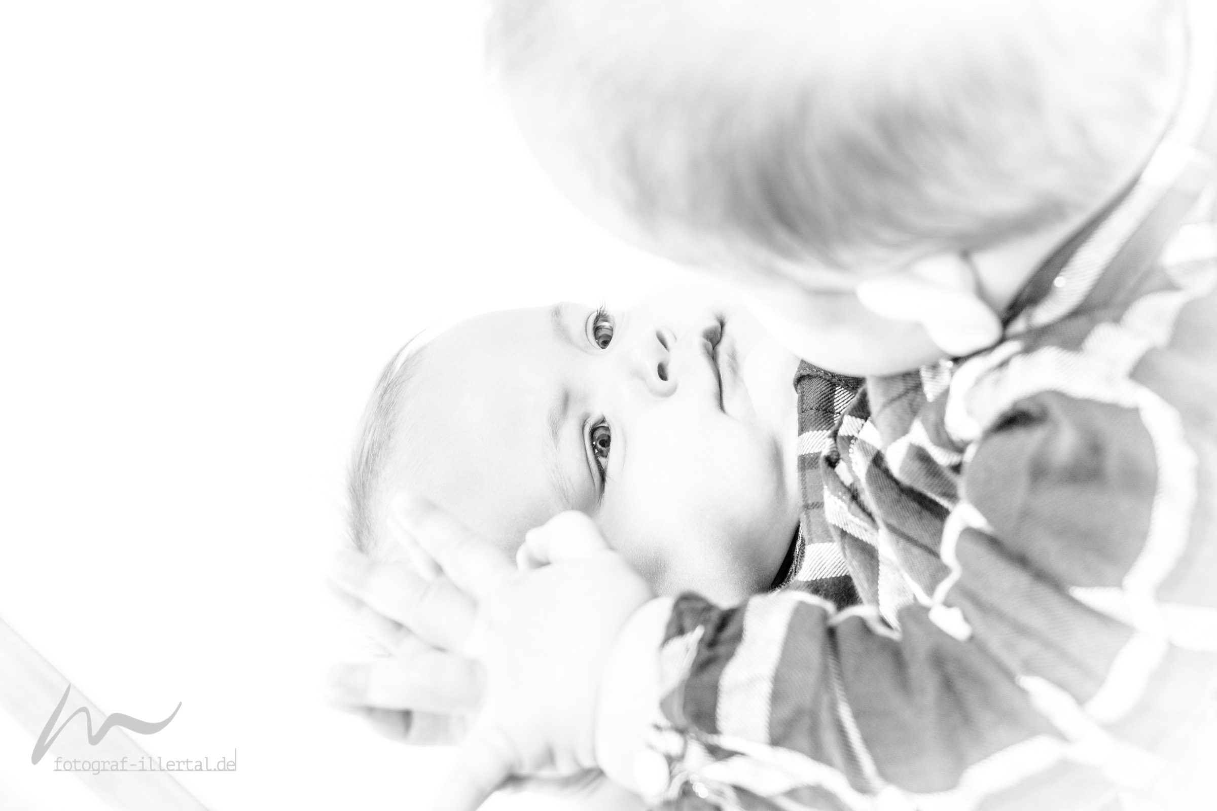 Fotograf Illertal-Christian Miller-Kinderfotos-Familienfotos-_MG_1307