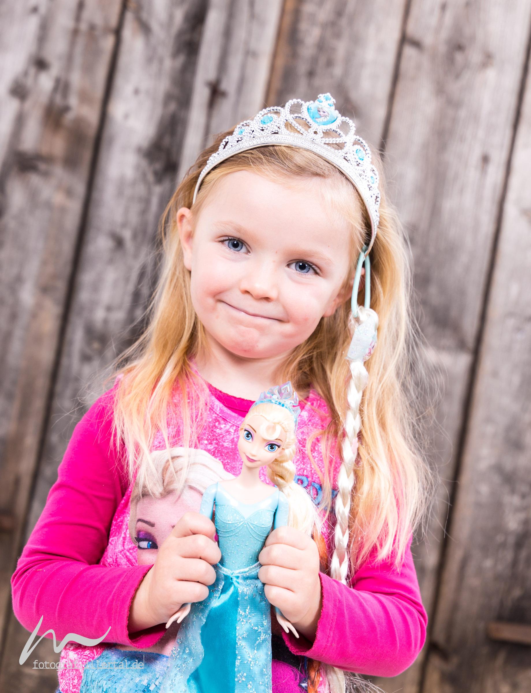 Fotograf Illertal-Christian Miller-Kinderfotos-Familienfotos-_MG_6393