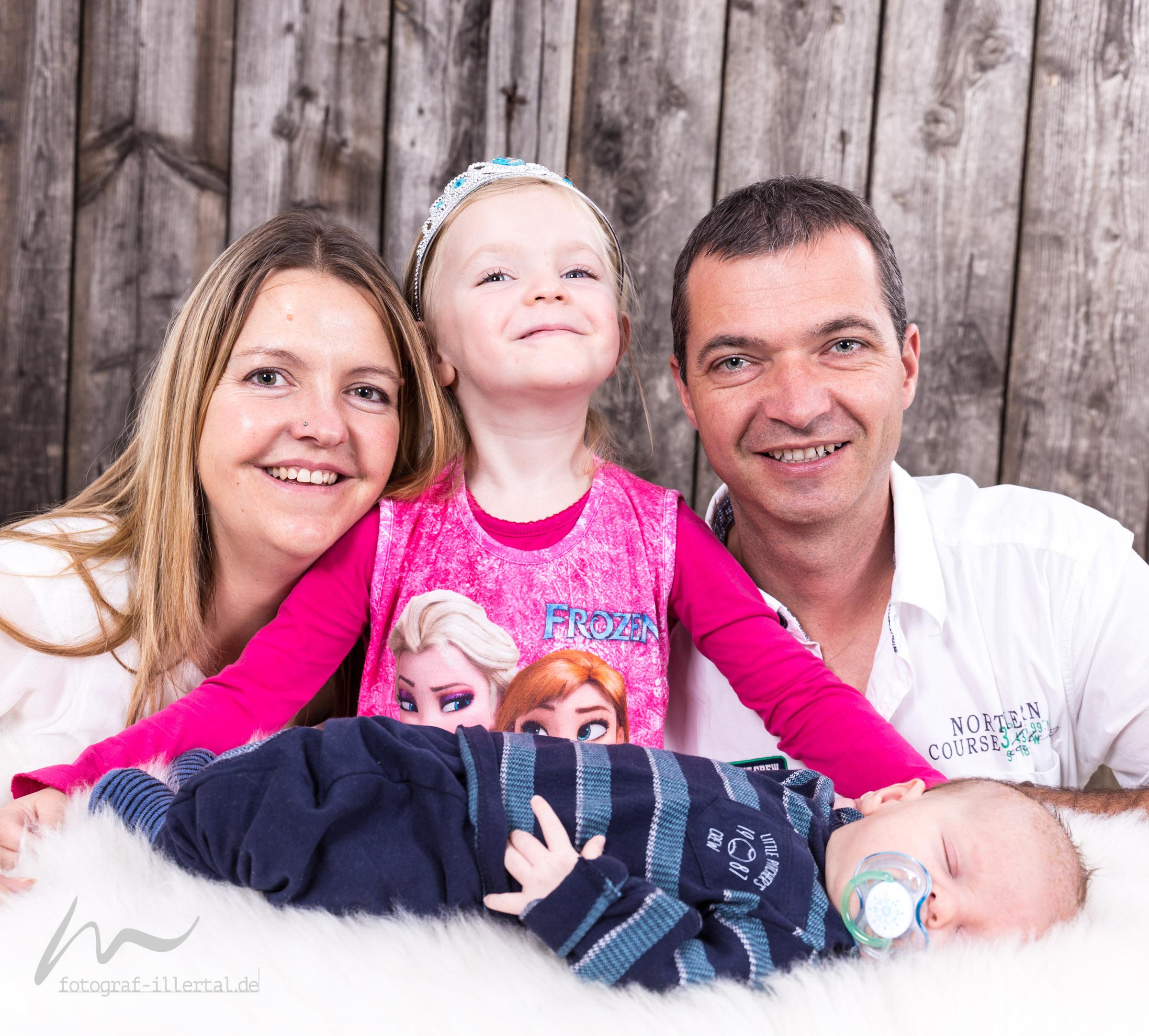 Fotograf Illertal-Christian Miller-Kinderfotos-Familienfotos-_MG_6405
