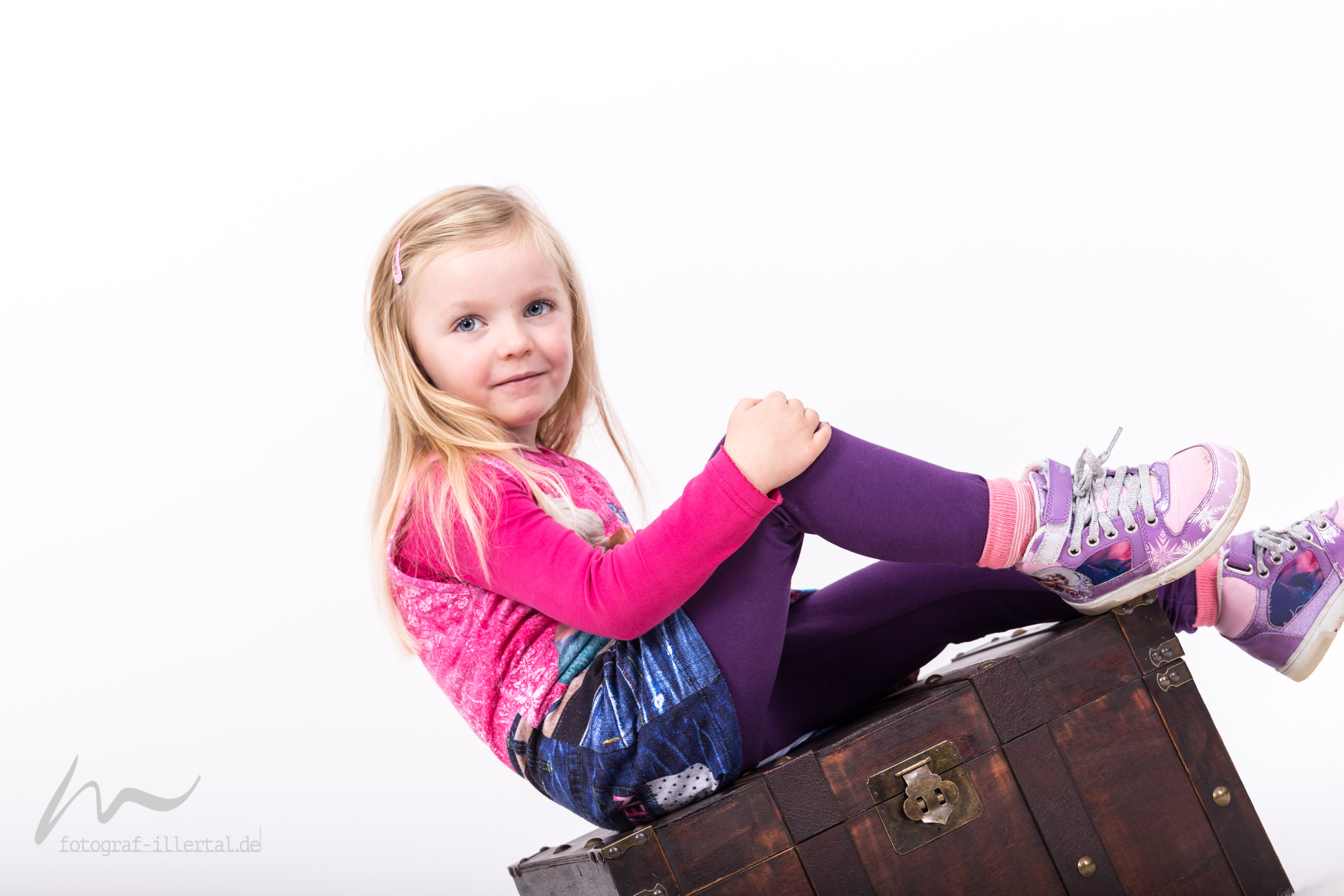 Fotograf Illertal-Christian Miller-Kinderfotos-Familienfotos-_MG_6504