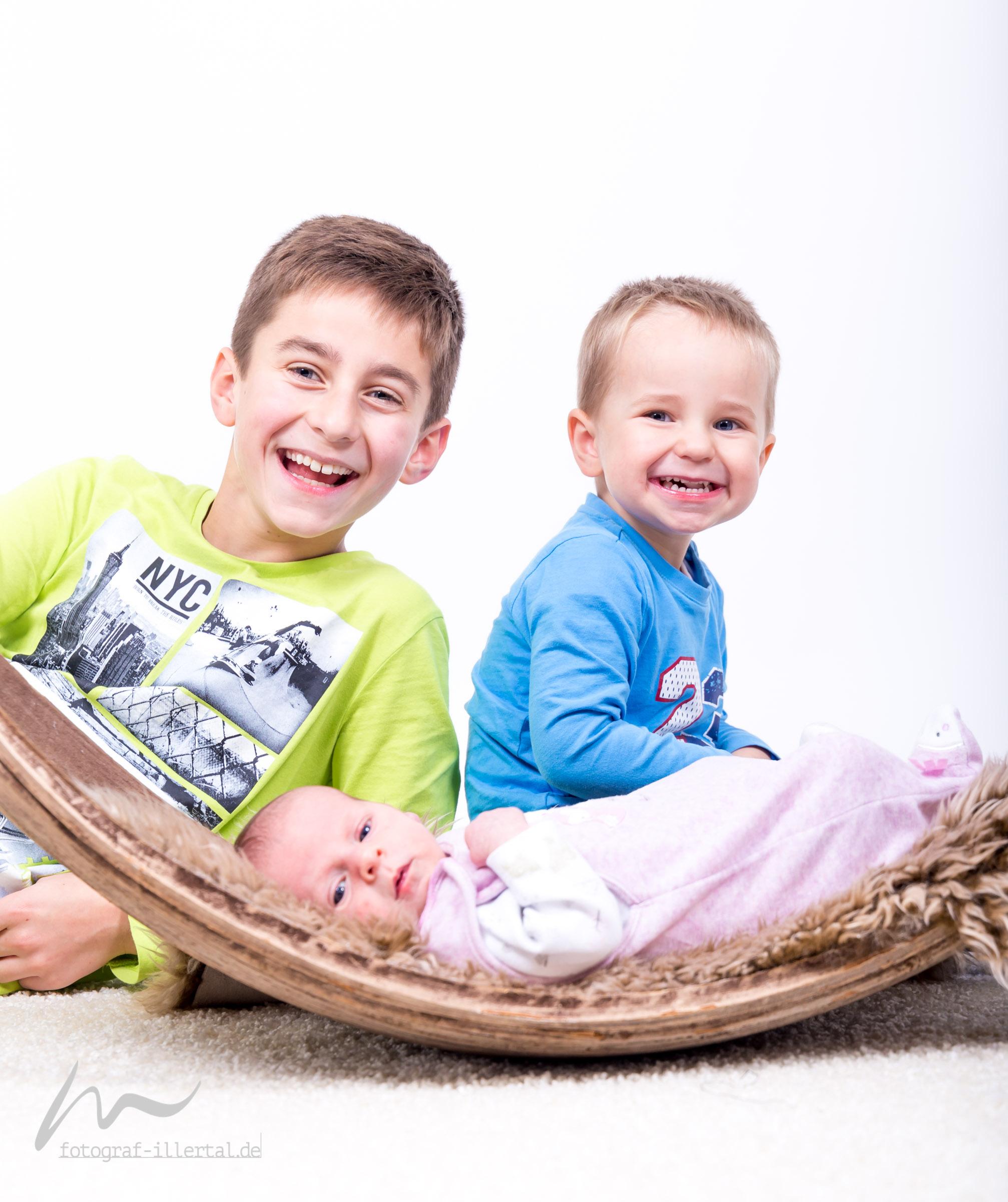 Fotograf Illertal-Christian Miller-Kinderfotos-Familienfotos-_MG_7021