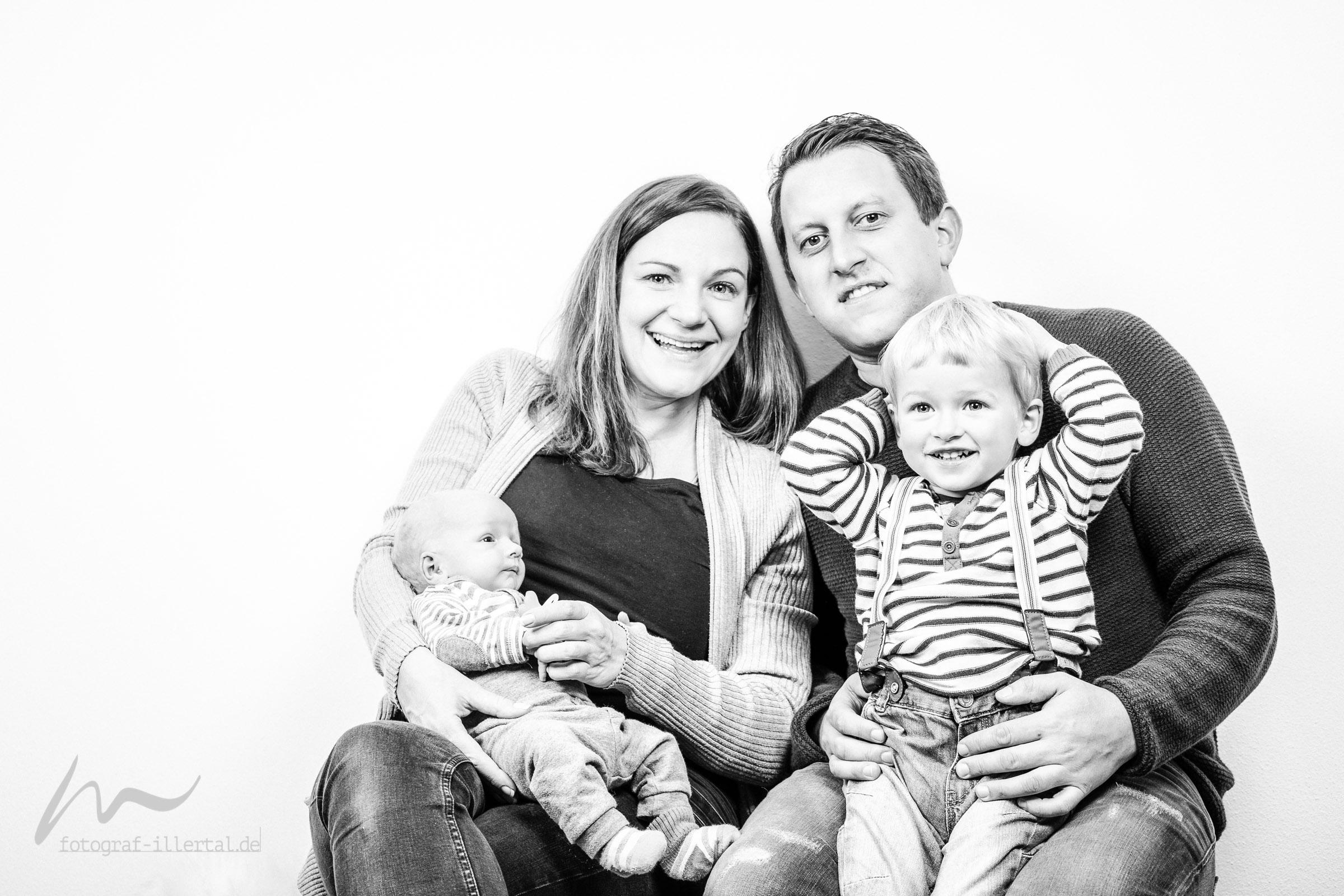 Fotograf Illertal-Christian Miller-Kinderfotos-Familienfotos-_MG_8131-2