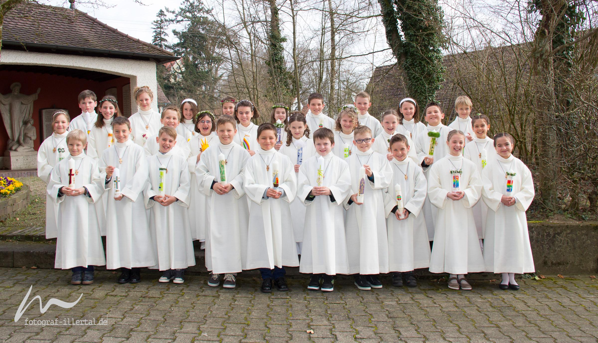 Fotograf Illertal-Christian Miller-Kinderfotos-Gruppenaufnahmen-1.Hl.Kommunion2015_038